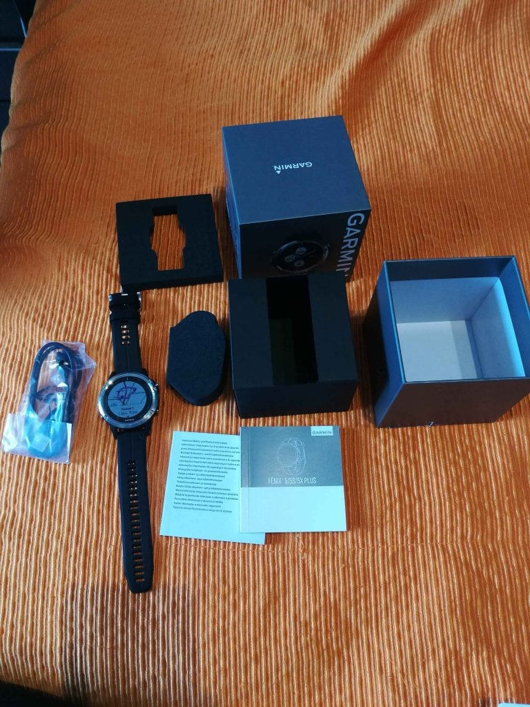 Unboxing Garmin Fenix 5 Plus